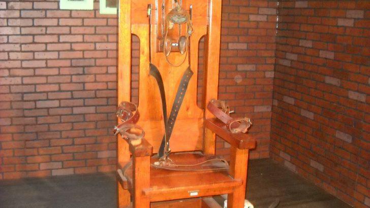 Ali je papež v katekizmu res odpravil smrtno kazen?